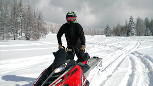 photo-snowmobiling2